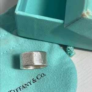 Tiffany & Co Notes Wide ring size L